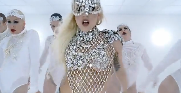 Bad Romance: Such a good look